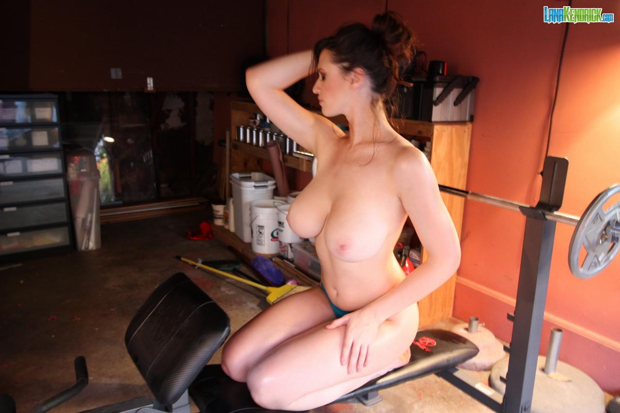 Lana kendrick  lana kendrick  workout hottie  bts  set 1  hey